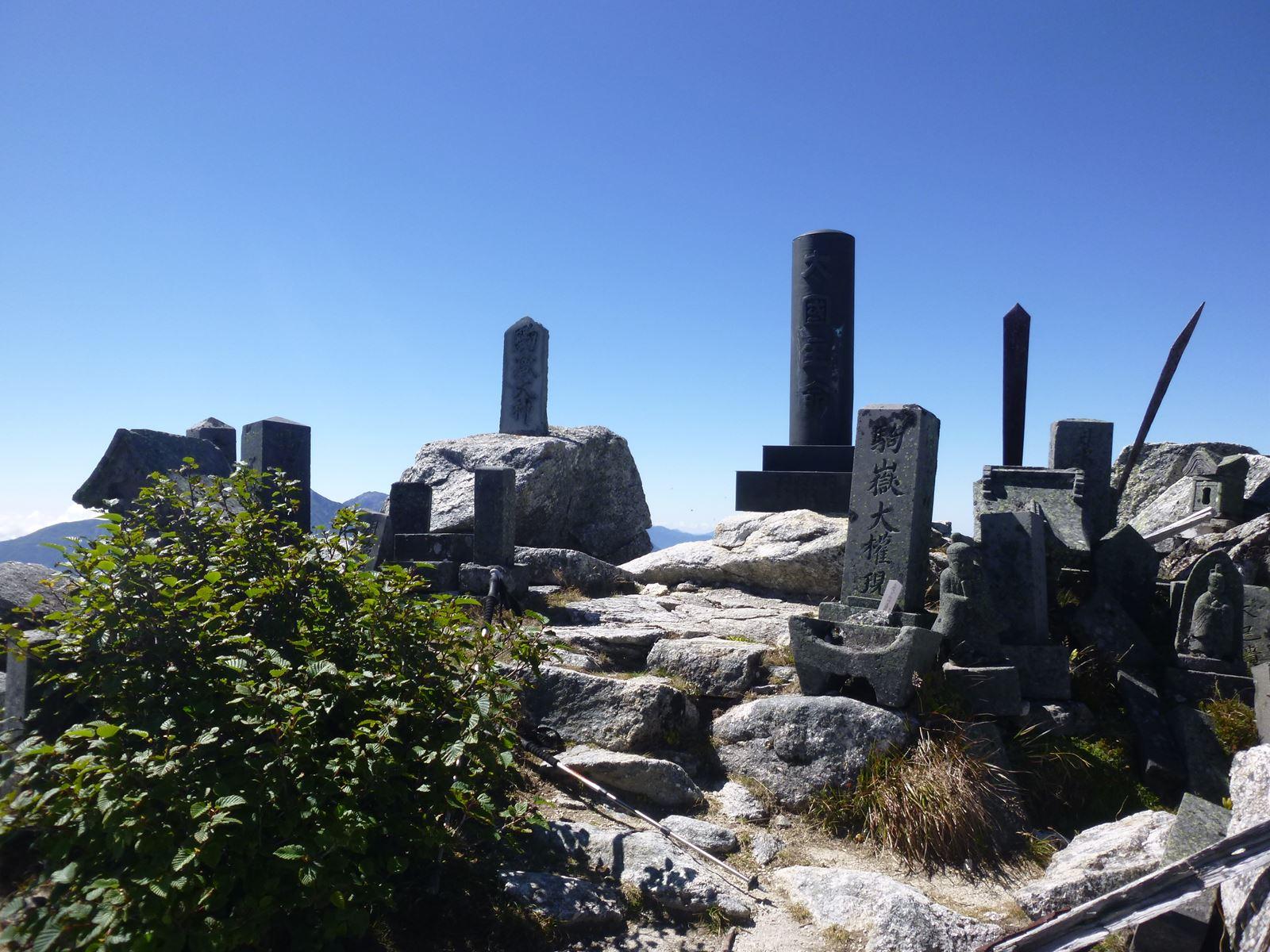 社長の登山日記 甲斐駒ケ岳 頂上付近霊場